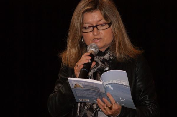 Nadine en lecture